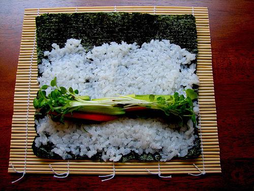 Cách cuốn Sushi