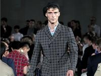 Tươi mới cùng thời trang xuân hè 2012 của Prada